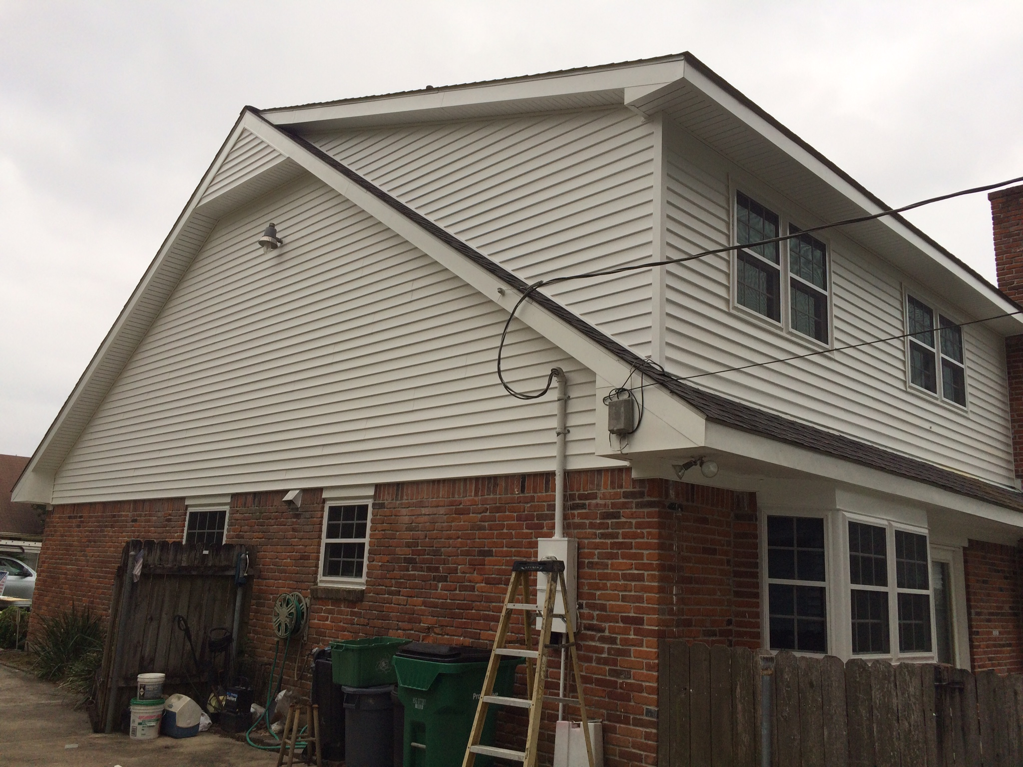 7 Popular Siding Materials To Consider: Replacement Siding In New